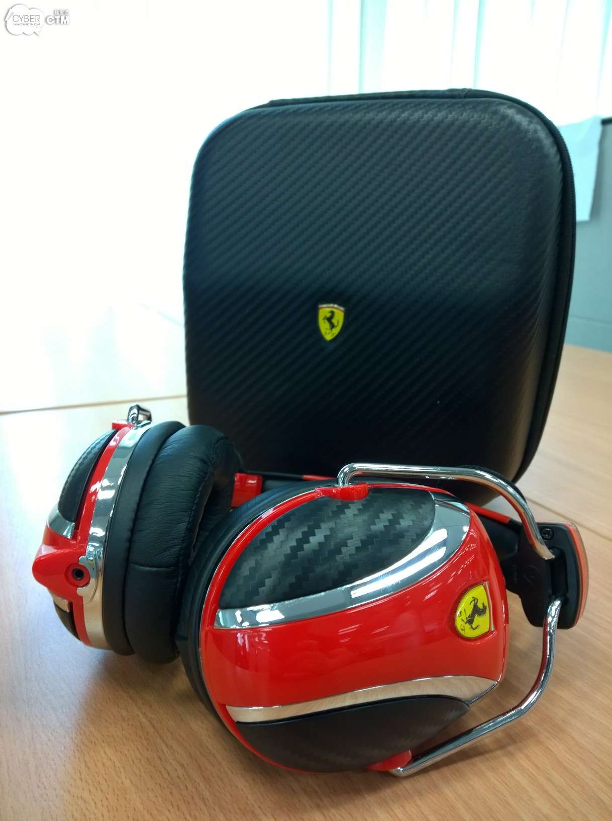 ear headphone ferrari in silver matte headphones black canada on solo beats electronics wireless wholesale